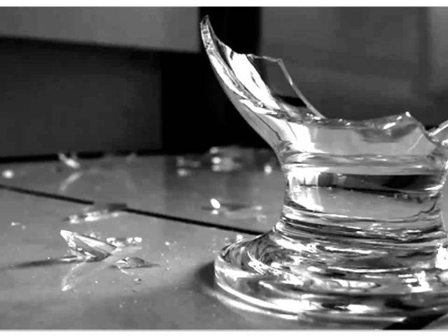 Vidro também pode ser reciclado. Faça o descarte correto para evitar acidentes