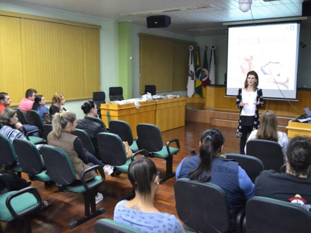 Círculo de debates Escola de Pais encerra após encontros