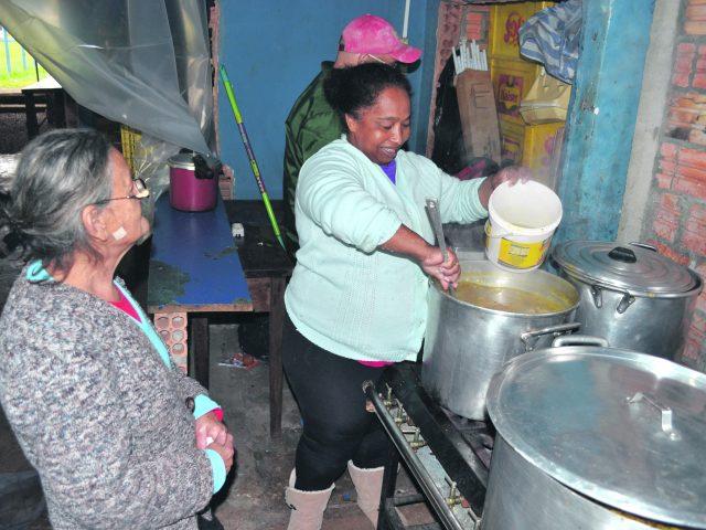 O sopão solidário da Iara une a comunidade e famílias na Jardim