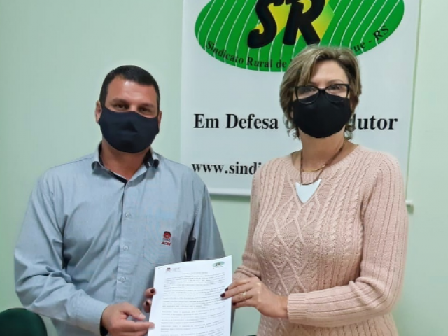 Sindicato Rural de Não-Me-Toque e ACINT firmam parceria para concessão de convênios