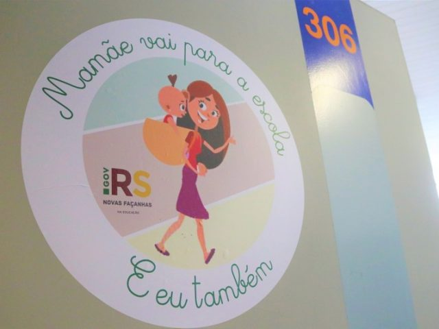 Secretaria da Educação lança projeto para garantir continuidade dos estudos de alunas grávidas e com filhos
