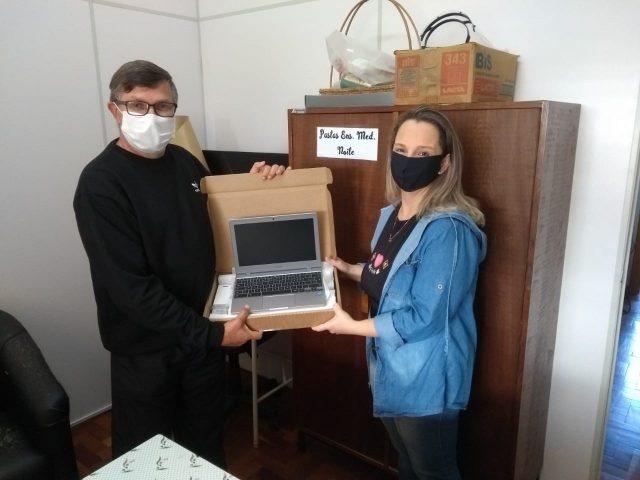 Solano entrega Chromebooks aos seus professores