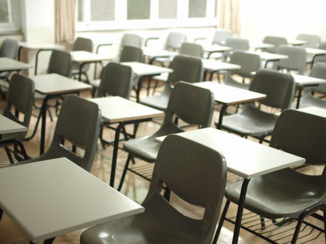 Evasão escolar e desemprego ameaçam milhões de jovens