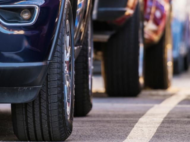 Prazos de serviços de trânsito são restabelecidos: datas para renovações de CNH, transferência e registro de veículos e apresentação de recursos