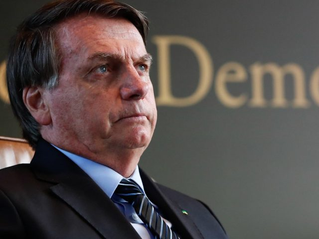 Bolsonaro será transferido para São Paulo; médicos vão avaliar cirurgia