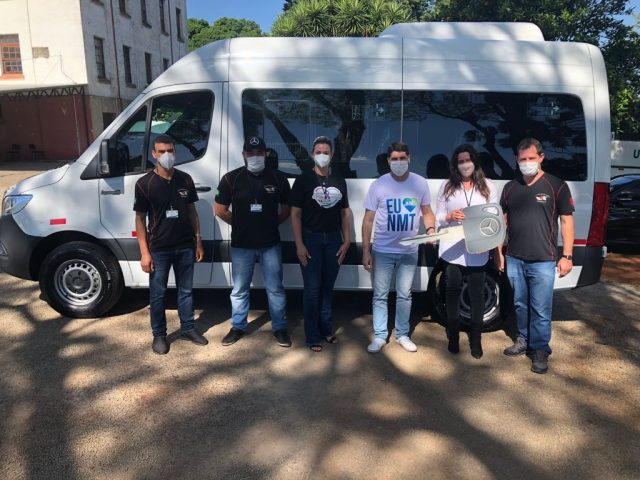 Saúde recebe nova Van para transporte de passageiros a Porto Alegre