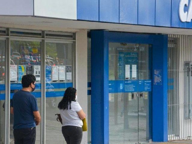 Auxílio Brasil ainda será menor em novembro e vai repassar R$ 230 a famílias de baixa renda